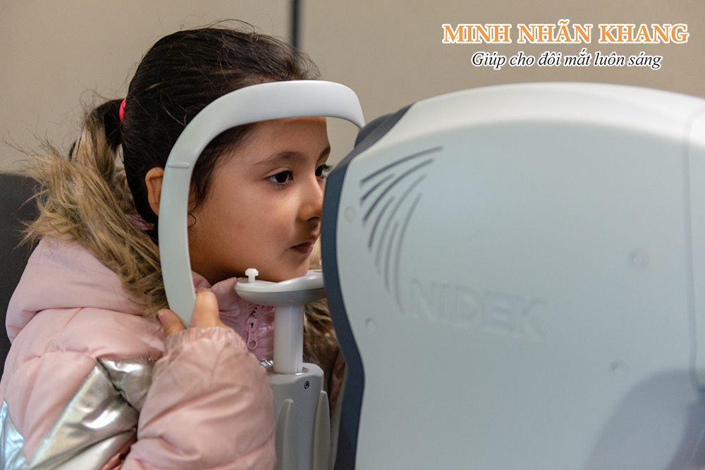 Đục thủy tinh thể ở trẻ em có nguy cơ gây mù lòa rất cao